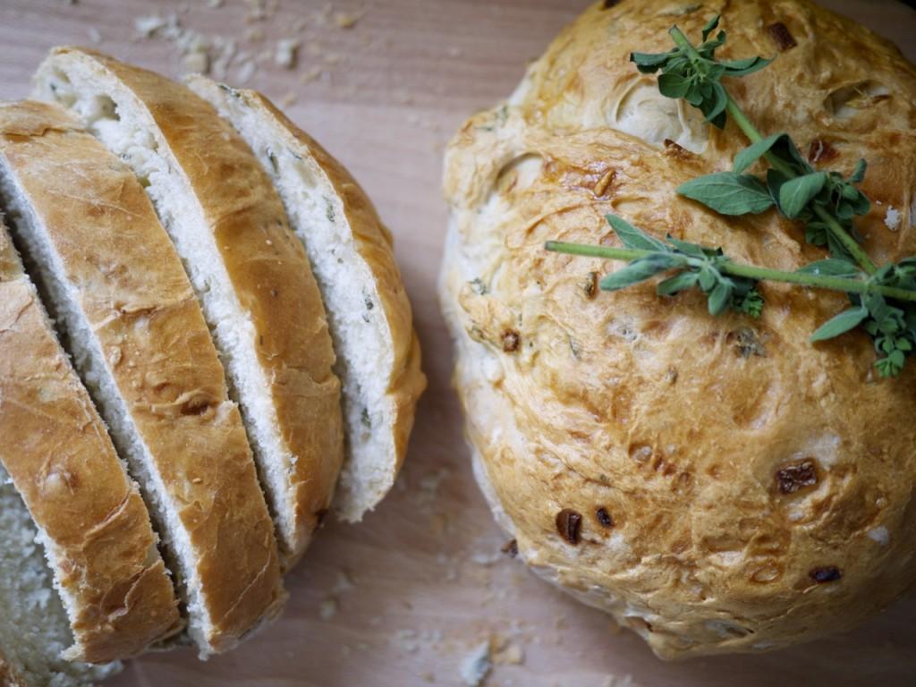 Fresh Oregano and Onion Bread