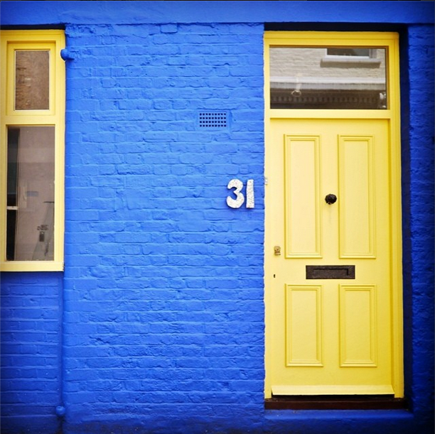 yellow door notting hill