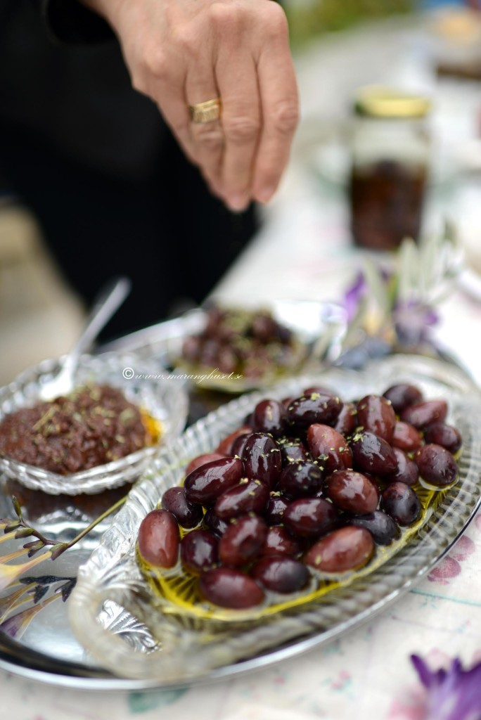 Kalamon Olives  with extra virgin olive oil and herbs